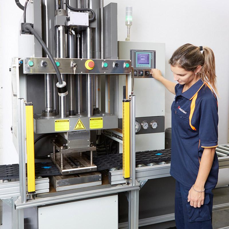 Large Lagging Rolls operating press