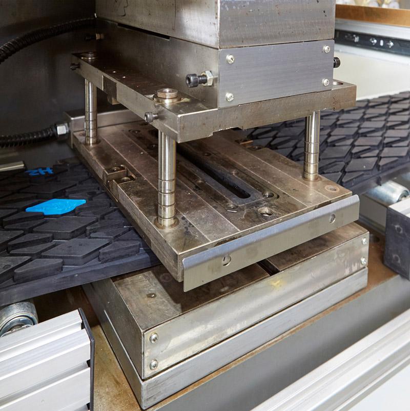 Large Lagging Rolls press